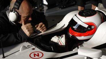 F1: 'Satisfeito', Barrichello fala em carro 'rápido' e 'confiável'