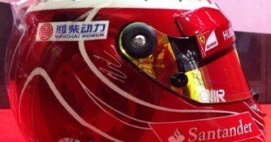 F1: Na despedida da Ferrari, Felipe Massa usa capacete vermelho em Interlagos