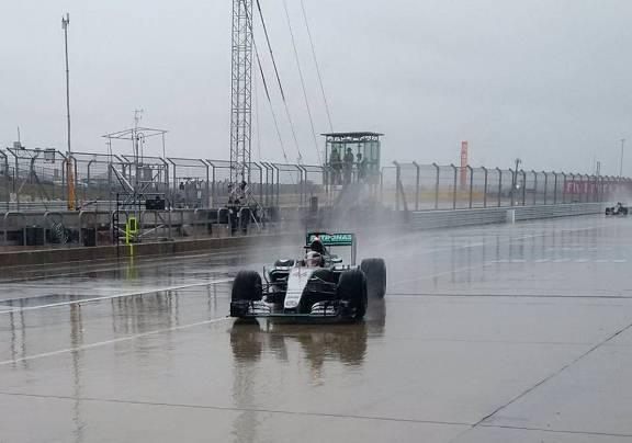 F1: Treino classificatório em Austin adiado para domingo