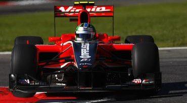 F1: Problema na suspensão causa abandono a uma volta do fim