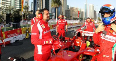 F1: Marc Gené faz exibição com Ferrari para 20 mil pessoas no Catar