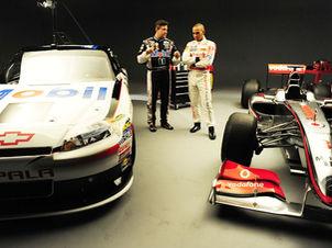 F1: Lewis Hamilton pilota um carro da Nascar nos EUA