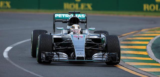 F1: Lewis Hamilton é o mais rápido em Melbourne