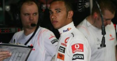 F1: Lewis Hamilton marca a pole na Austrália
