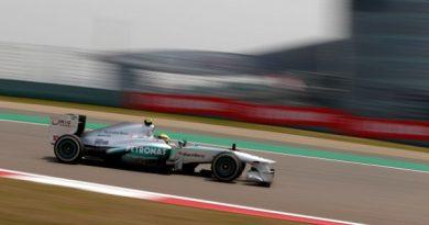 F1: Lewis Hamilton surpreende e marca a pole na China
