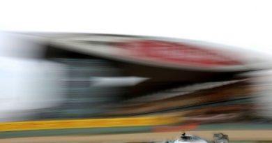 F1: Lewis Hamilton lidera sexta-feira na China