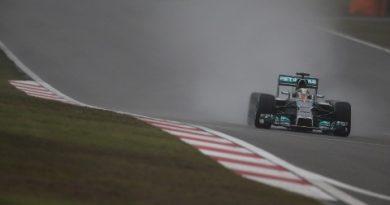 F1: Lewis Hamilton marca a pole em Xangai