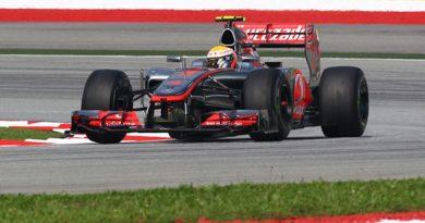 F1: Em treino com chuva, Lewis Hamilton é o mais rápido na China