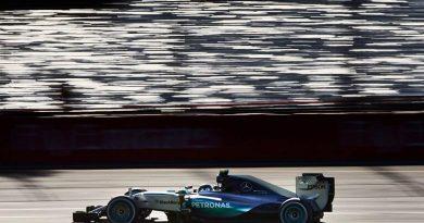 F1: Lewis Hamilton lidera terceiro treino livre