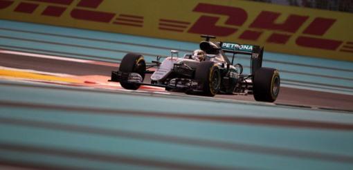 F1: Lewis Hamilton é o mais rápido em Yas Marina