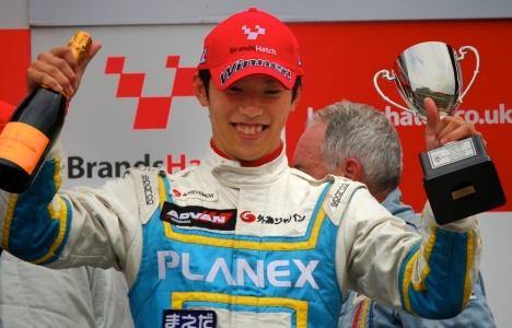 F1 Historic: Líder da F-3 Japonesa vence etapa de Brands Hatch