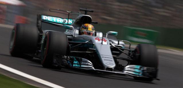 F1: Lewis Hamilton marca a pole para GP da China