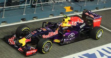 F1: Daniil Kvyat surpreende com o melhor tempo em Cingapura