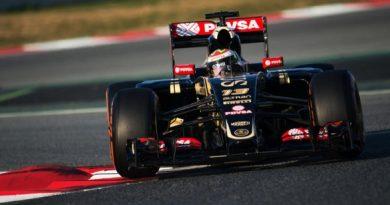 F1: Pastor Maldonado lidera primeiro dia de testes em Barcelona