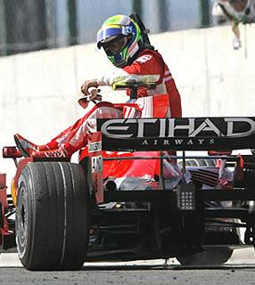 F1: Ferrari diz que Massa é 0% culpado em quebra