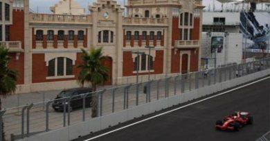 F1: Felipe Massa sai na pole em Valência