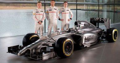 F1: McLaren apresenta o carro MP429 para a temporada 2014 da Fórmula 1