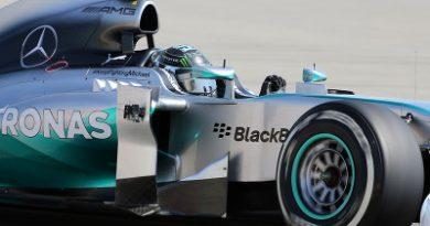 F1: Mercedes encerra testes em primeiro