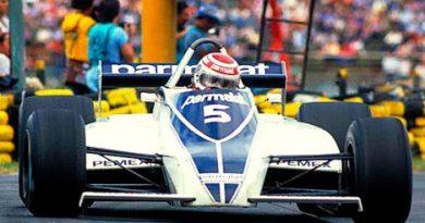 F1: Nelson Piquet, com a bandeira do Vasco, pilota Brabham de 1981