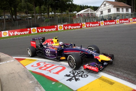 F1: Mercedes colidem e Daniel Ricciardo vence GP da Bélgica