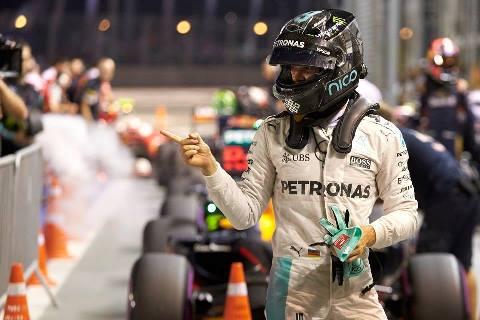 F1: Nico Rosberg marca a pole em Cingapura