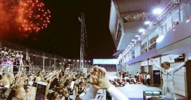 F1: Nico Rosberg vence GP de Cingapura e reassume liderança do campeonato