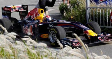 F1: Buemi atropela espectador japonês em apresentação