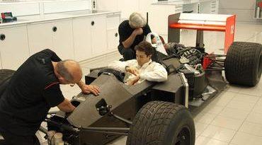 F1: Bruno Senna pilota McLaren de Ayrton na Inglaterra