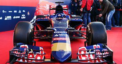 F1: Toro Rosso lança o STR10