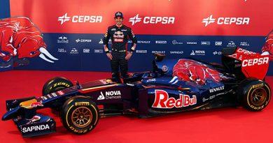 F1: Em Jerez de la Frontera, Toro Rosso revela carro da temporada 2014