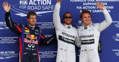 F1: Em casa, Lewis Hamilton marca a pole-position