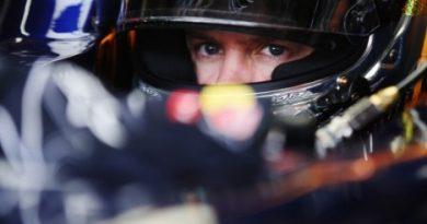 F1: Vettel recebe troféu do tricampeonato em cerimônia de gala da FIA