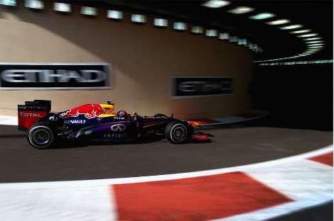 F1: Mark Webber marca a pole em Abu Dhabi