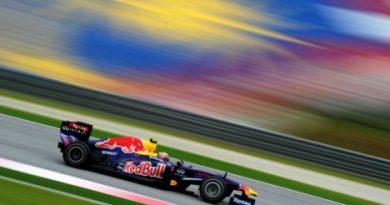 F1: Mark Webber mantém o domínio no segundo treino na Malásia