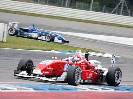 F3 Alemã: Rafael Suzuki volta ao quarto lugar no campeonato