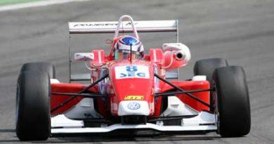 F3 Alemã: Rafael Suzuki conquista mais um pódio e sobe para terceiro no campeonato