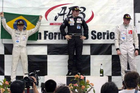 F3 Asiática: Rafael Suzuki briga pelo vice-campeonato asiático neste domingo