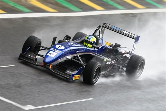 F-3 Brazil Open: Felipe Guimarães domina sexta-feira em Interlagos