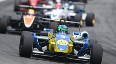 F-3 Brazil Open: Chuva desafia pilotos e Lucas Foresti vence a primeira prova