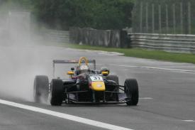 F3 inglesa: Carlos Sainz Jr. é o novo líder do campeonato