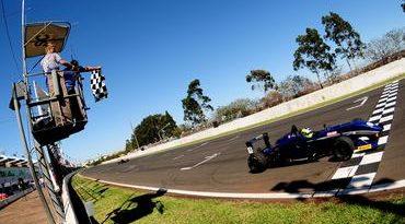 F3 Sul-Americana: Felipe Guimarães volta a vencer na Fórmula 3