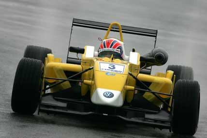 F3 Inglesa: Adriano Buzaid é o terceiro mais rápido em Silverstone