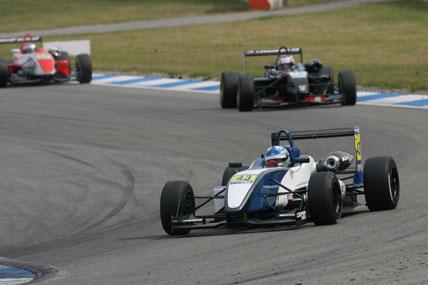 F3 Inglesa: Dias sofre com pneus em Hockenheim