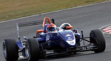 F3 Inglesa: Adriano Buzaid anda novamente entre os três primeiros nos testes da F-3 Inglesa