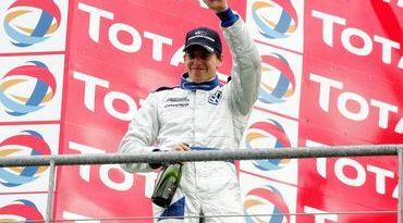 F3 Inglesa: Adriano Buzaid vence pela primeira vez