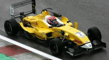 F3 Inglesa: Buzaid vence pela primeira vez e dedica resultado ao amigo Surtees