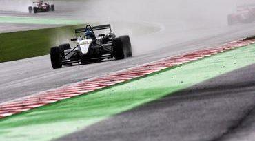 F3 Inglesa: Na chuva, Gabriel vence na National Class e mostra confiança para o restante da temporada