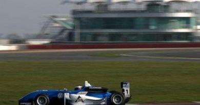 F3 Inglesa: Carlos Huertas é o mais rápido no último teste