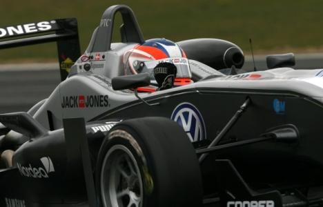 F3 Inglesa: Kevin Magnussen e Lucas Foresti vencem em Snetterton