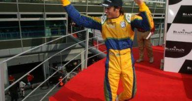 F3 Inglesa: Felipe Nasr vence tumultuda prova de abertura da temporada em Monza